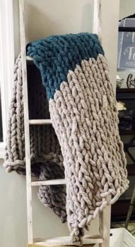 DIY Cozy Chunky Blanket